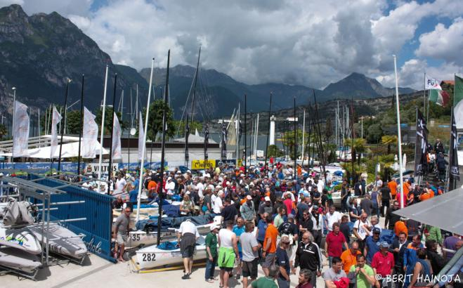 Largest Finn event ever opens in Torbole